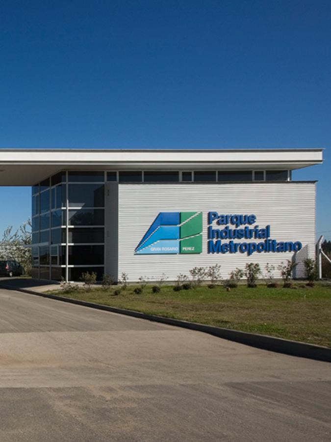 Parque Industrial Perez - Galeria de Fotos